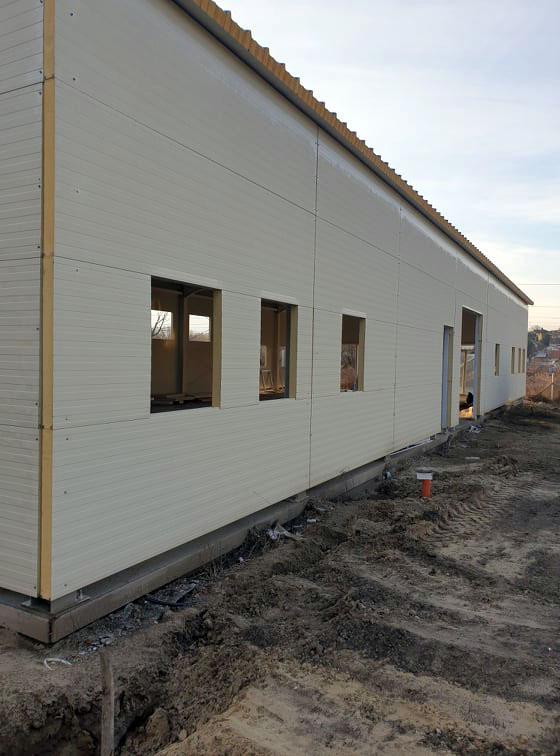 hangar-muanyag-nyilaszaro-beepites-17