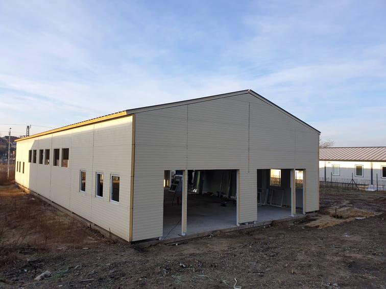 hangar-muanyag-nyilaszaro-beepites-21